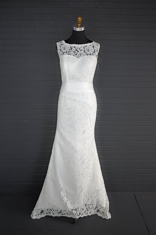 Ivory Lace Wedding Gown - Size 8