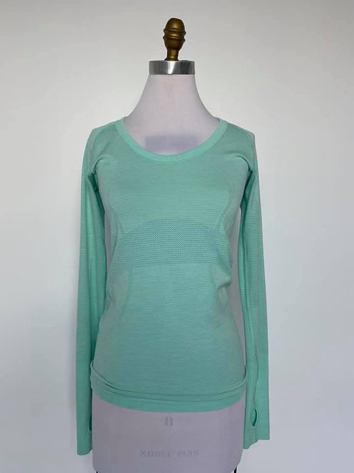 Lululemon Long Sleeve Size Medium