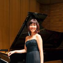 Akiko Profile Picture_edited.jpg