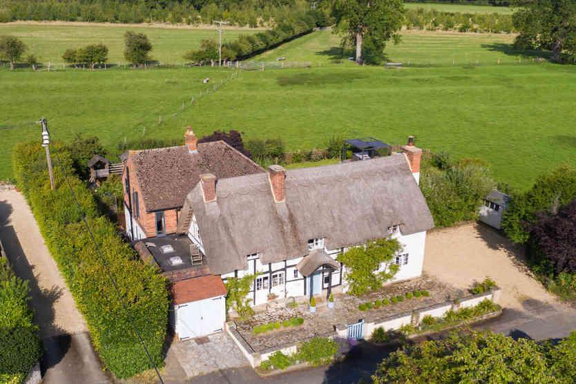 Manor_Cottage_Ardens_Grafton_-10_origina