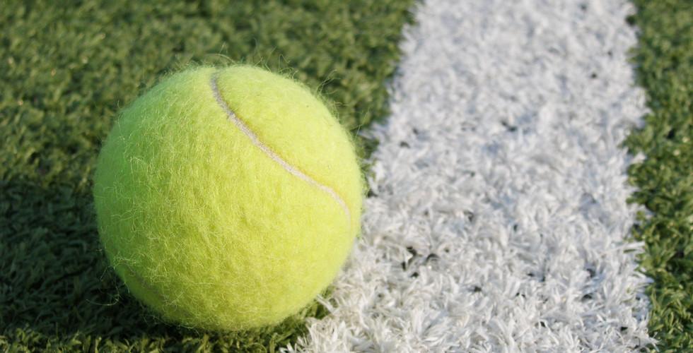 tennis-ball-1437546.jpg