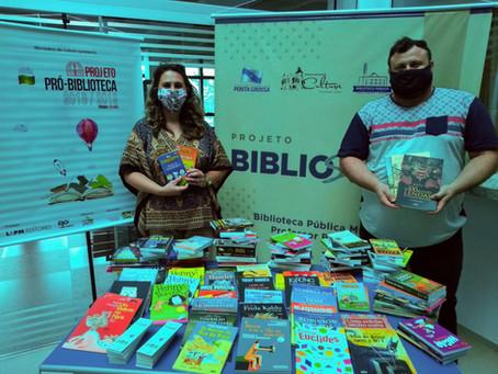 No dia do aniversário, Biblioteca Pública recebe doação de 200 livros novos