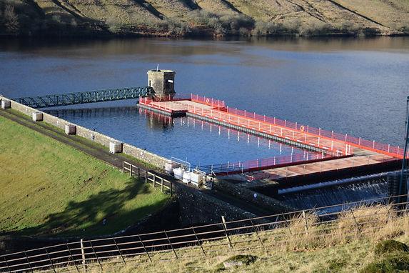 pontoon working platform for reservoir