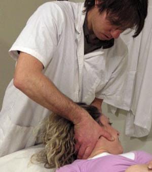 אוסטאופתיה - טיפול בכאבים | ניר פלג D.O