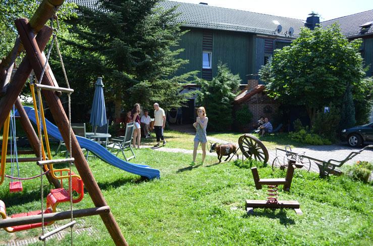 Tierisches Treiben auf dem Hof