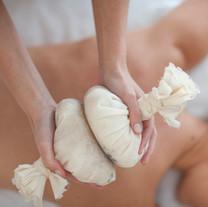 massage pochons plantes