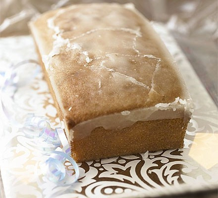 Lemon Drizzle Cake - This light and zesty lemon sponge is perfect for that Sunday afternoon tea.