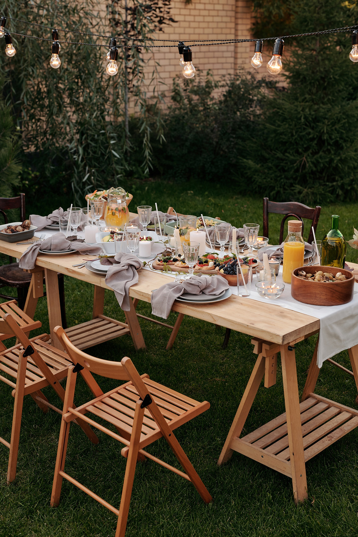 Garden party, Outdoor eating