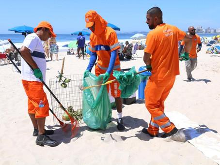 Comlurb inicia campanhas de consumo consciente e coleta seletiva nas praias