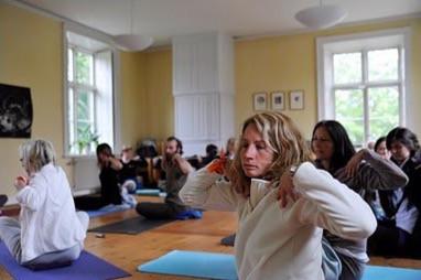 Terminsstart för yoga i Skokloster