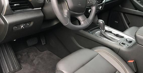 Chevy Traverse 2018 interior 1.jpg