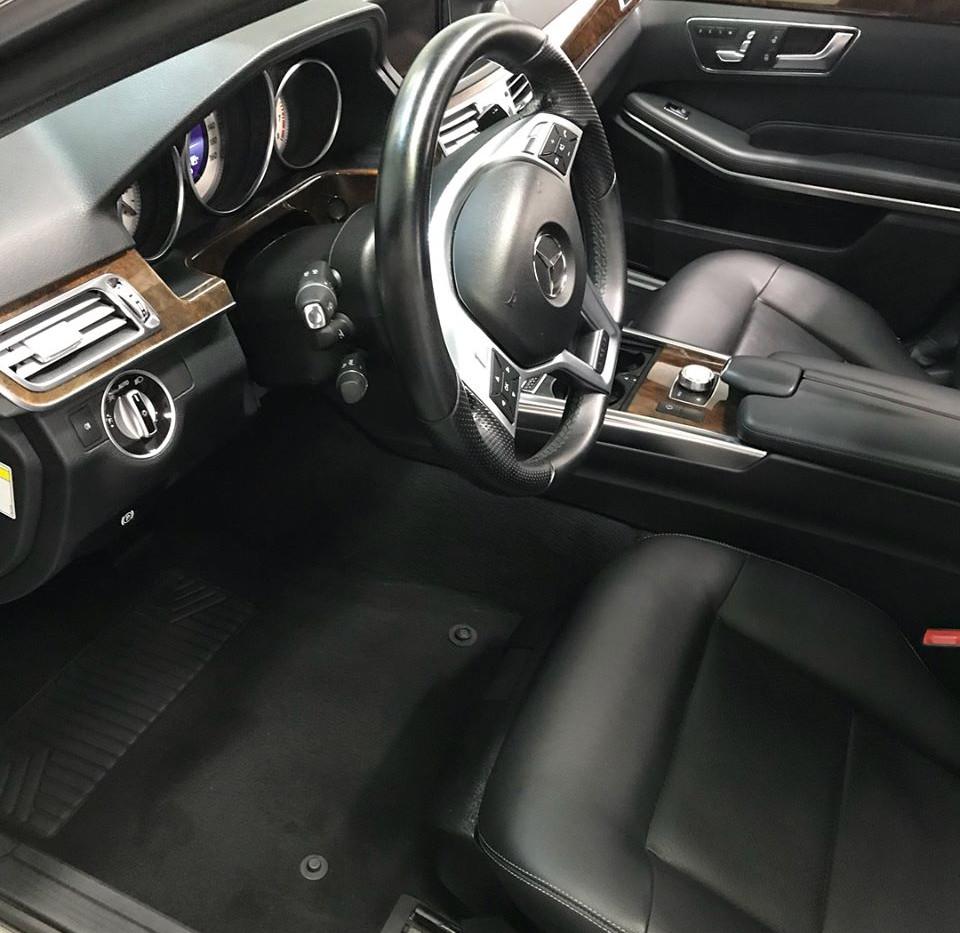 mercedes interior1.jpg