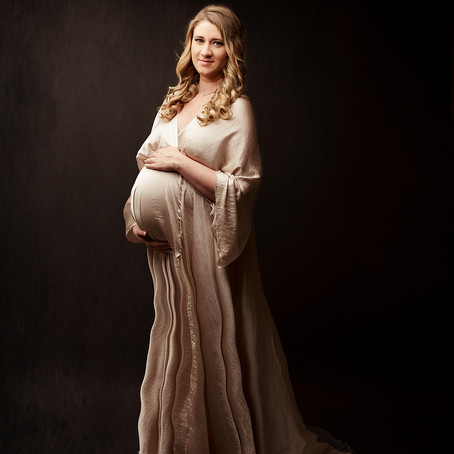 Susan | Studio Maternity Photography Session in Houston, TX
