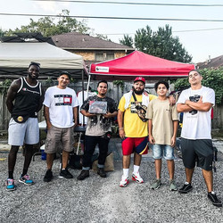 some of the awesome #vintagestreetwear guys _eadovintagefest!! place to be #2ndsundays!!#houstonvint