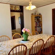 Dinning Room Table Image.jpg