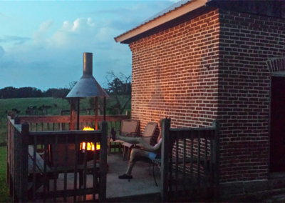 Outside-fire-pit-400x284.png