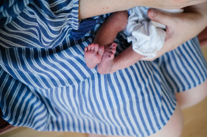 Baby toes by Melanie Mathieu Photography, lifestyle and family photographer in Ottawa Gatineau