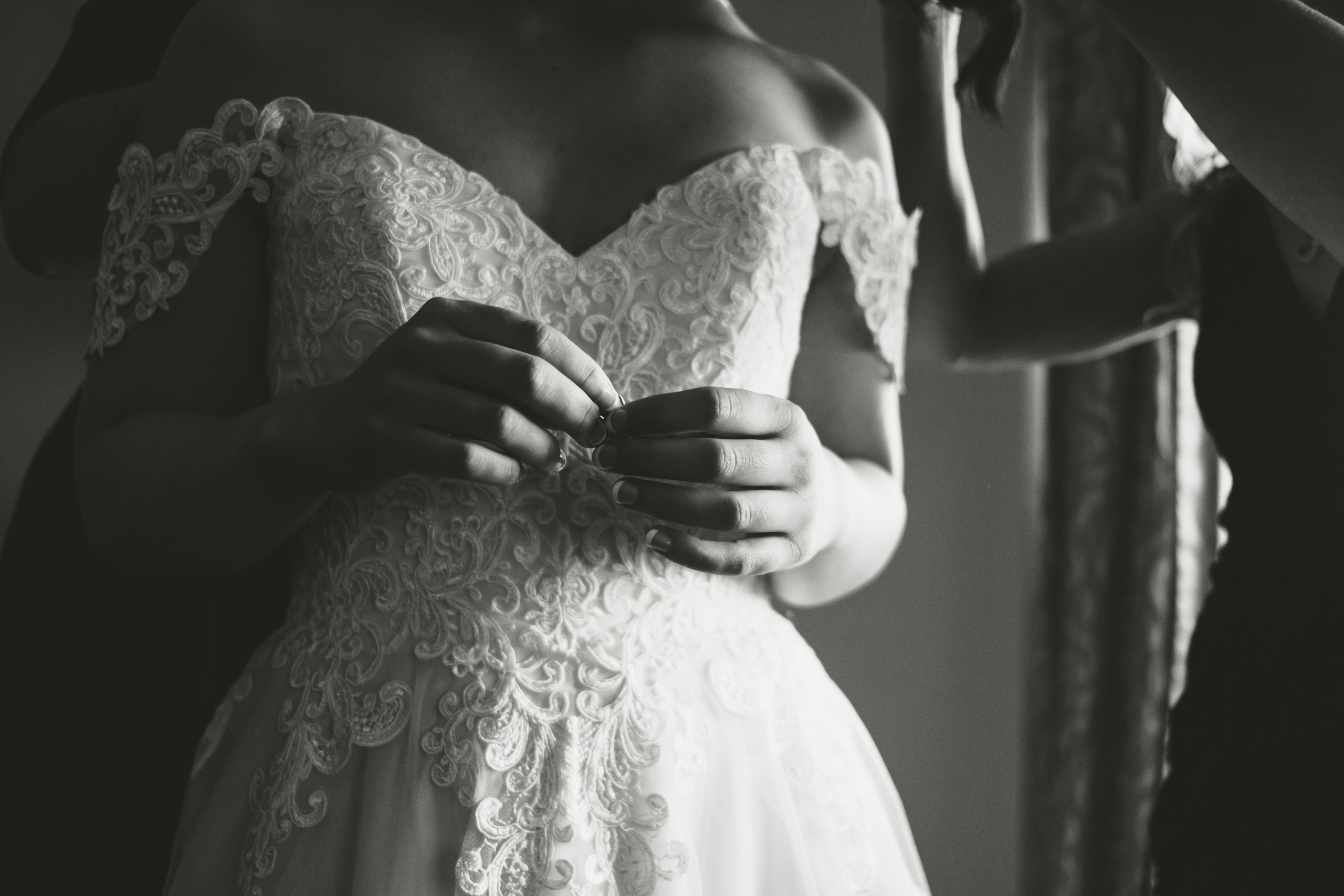 Detail of bride holding ring and getting ready at the Chateau Laurier before her wedding ceremony at the Metropolitain Brasserie. Photo taken by Ottawa Wedding photographer Melanie Mathieu.
