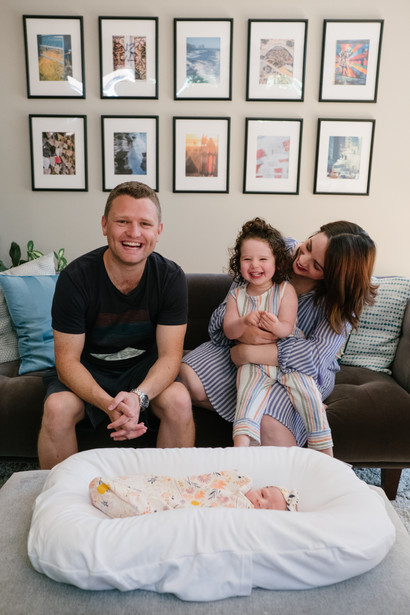 newborn in home family photo session Ottawa Gatineau