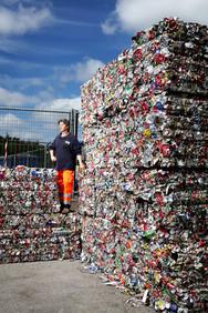 Marco, recycling aluminium. System Le Cortine. Asciano (SI).