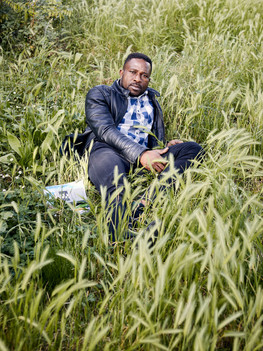 Soumaila Diawara, 31 years old, poet and civil rights activist native of Mali. After having graduated in Legal Studies and Politics in Bamako, he is appointed as the communications chief for the SADI party (Solidarieté Africaine pour la Démocratie et l'Indépendance). In 2012, together with other colleagues, he is forced to flee Mali as they have been unjustly accused of harassing the President of  the Legislative Assembly.  Soumaila arrives in Rome in 2013,  after crossing the Mediterranean Sea, and is granted international political asylum. His poetry takes its form from his feelings of anger and hope which arise from his experience and dream to bring justice back to his land.