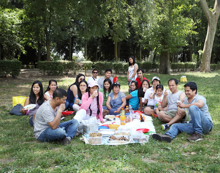 Sunday June 22, 2014 Florence. Lunch at the Cascine Park.