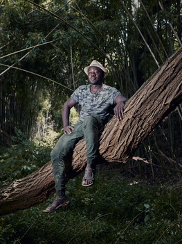 """Francois Desire Baize, 39 years old is a farmer from Burkina Faso. Francois has lived in Massa Carrara since 2015, where he opened a farm engaged mainly in the production of wine and oil. Since the opening of his company, Francois tries to plant an African tree with multiple beneficial properties, the Moringa, also called """"the tree of miracles"""" in the Carrara area; after several unsuccessful attempts this year he succeeds and wins the """"Oscar green 2019"""" prize called by Coldiretti in the category """"Natura amica""""."""