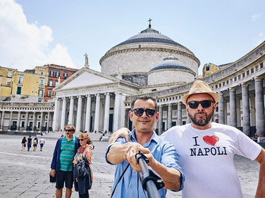 «Now that the trend to travel relying on 'local people' is spreading, I have 7-8 clients average per year. With a German woman I became friend, last summer I went to visit her in Germany».  Marco, 47year-old, webmaster in Naples.  tariffa: 10 euro/hour