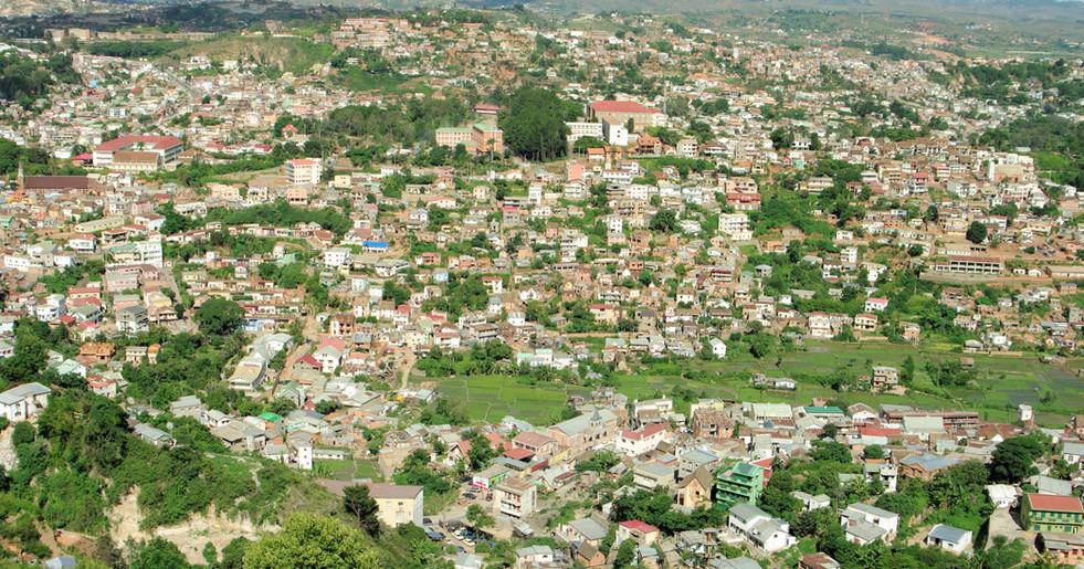 Die mittlere Temperatur liegt bei ca. 18°C. (Hauptstadt Antananarivo)