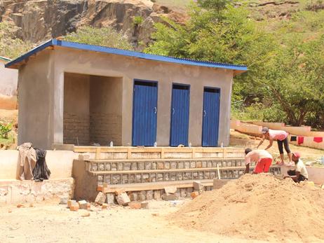Neue WC-Anlagen auf dem Schulgelände