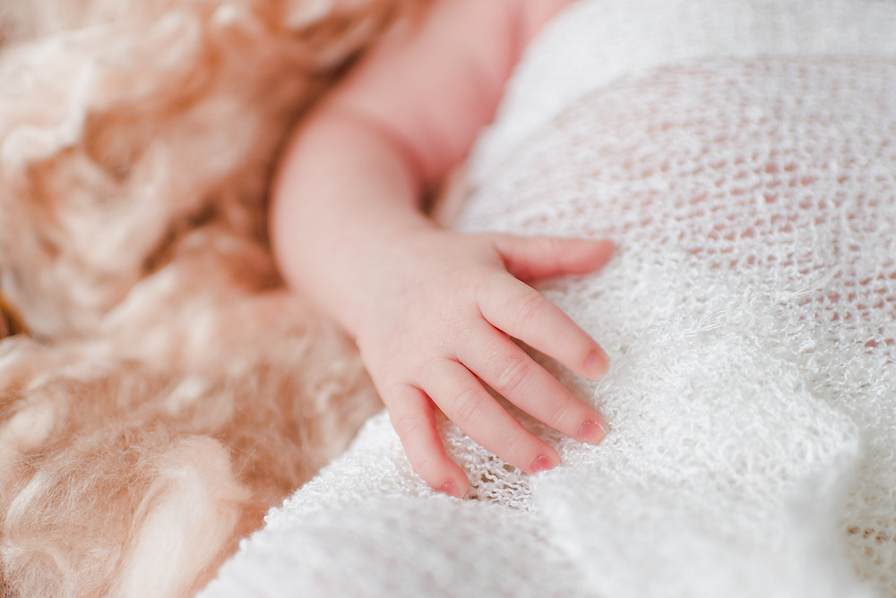 Lifestyle in-home newborn photographer | Jacksonville, Nocatee, Ponte Vedra, St Augustine Florida | Colleen Lindhurst Photography