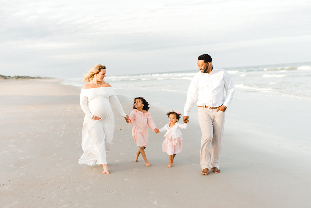 what to wear to beach family photos | Beach family photographer | Colleen Lindhurst Photography | Jacksonville, ponte vedra, nocatee, st augustine, florida