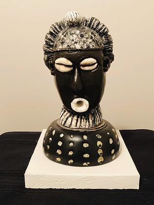 Sculpture: Bassa Woman