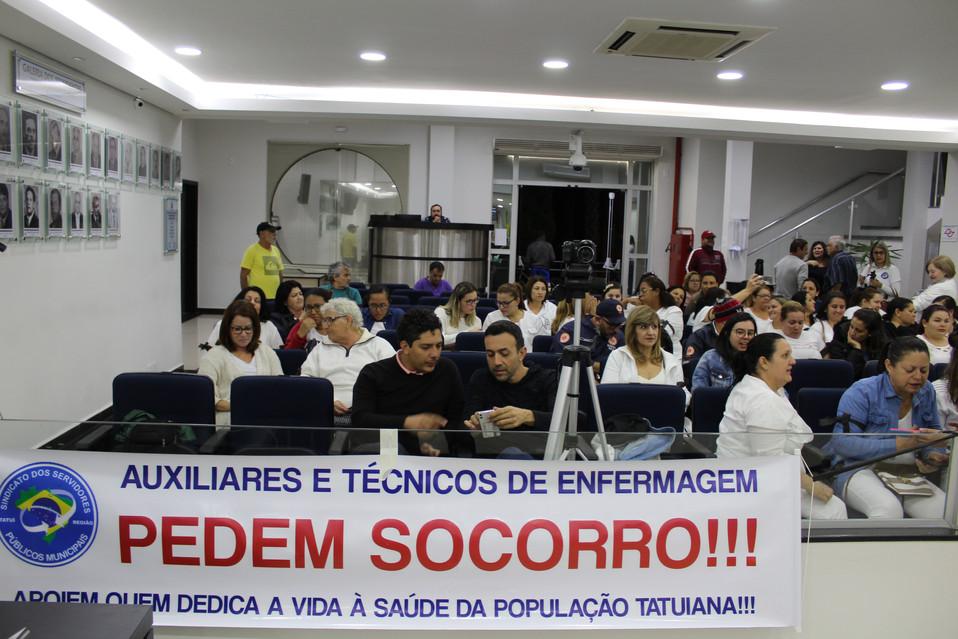 Auxiliares e técnicos de enfermagem pedem SOCORRO!!!