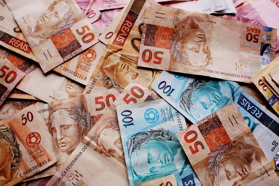Pagamento de auxílio de R$ 600 a informais segue para votação no Senado