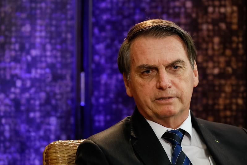 Bolsonaro deve assinar decreto que reajusta mínimo para R$ 998