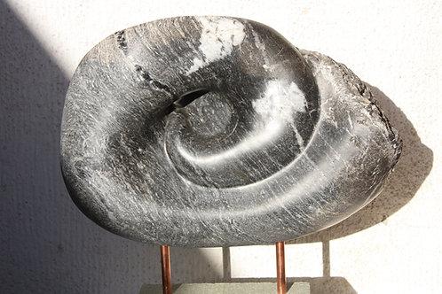 El Sistema, piedra 54x45x20