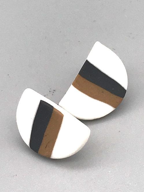 Clous d'oreilles en porcelaine de MARIE COURTILLAT
