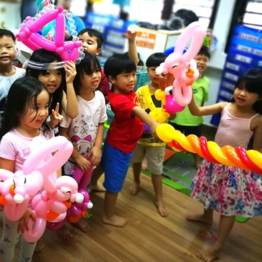 School classroom balloon twisting workshop