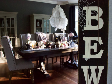 Spooky Chic Halloween Tablescape