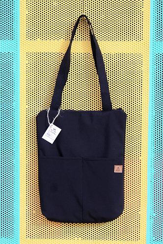 City bag negra con funda gris étnica