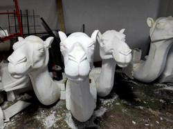 Esculturas efímeras con corcho recubiertas de resina, 2020.