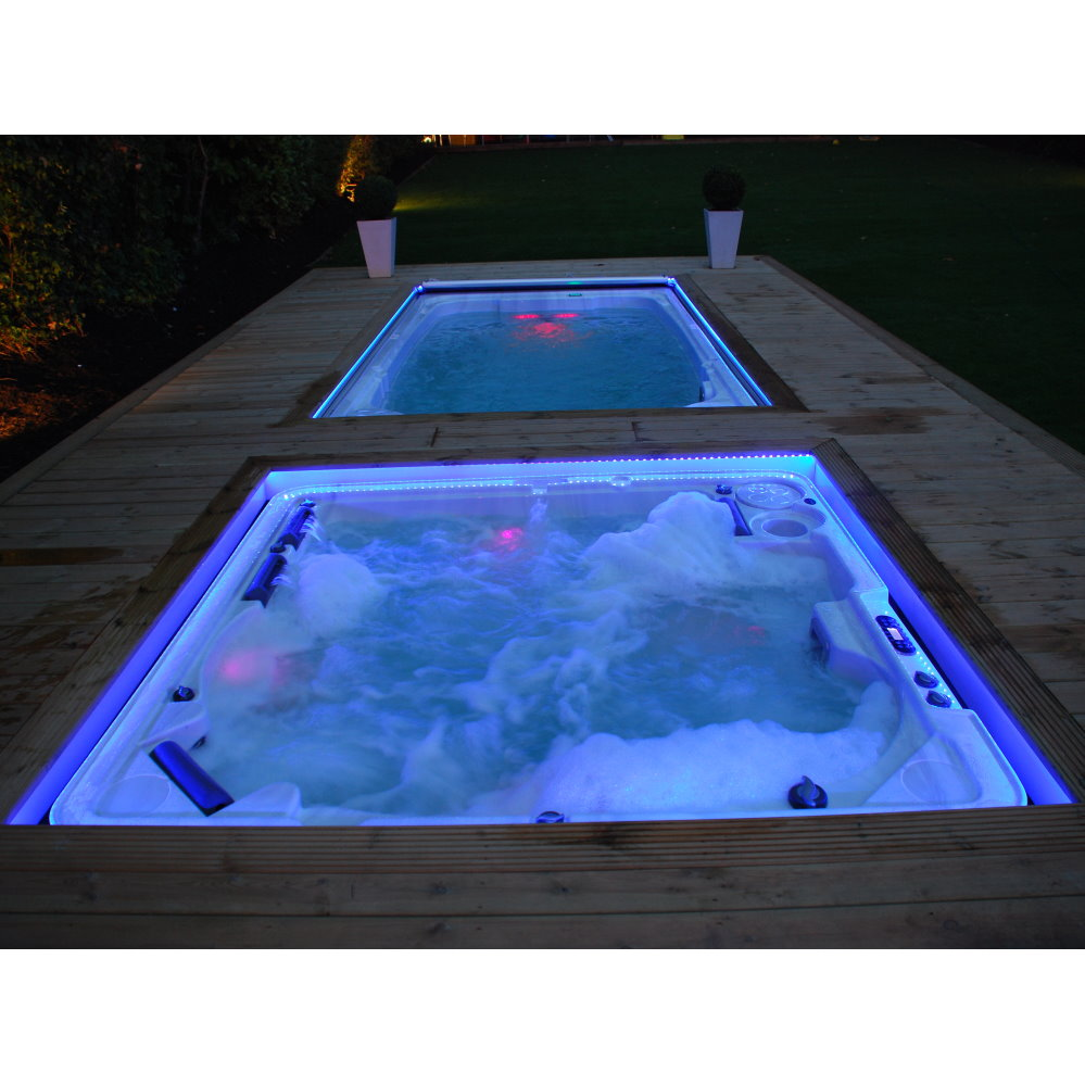 Hydropool 700 Hot Tub + Swim Spa