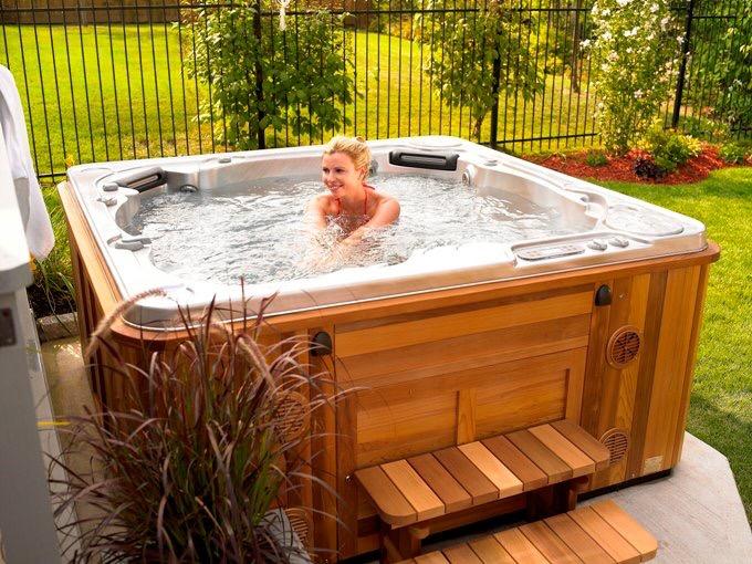 Hydropool Hot Tub