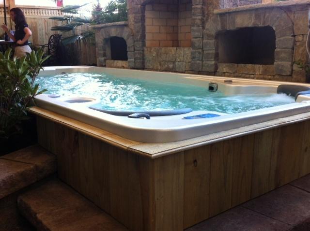 17fX Swim Spa