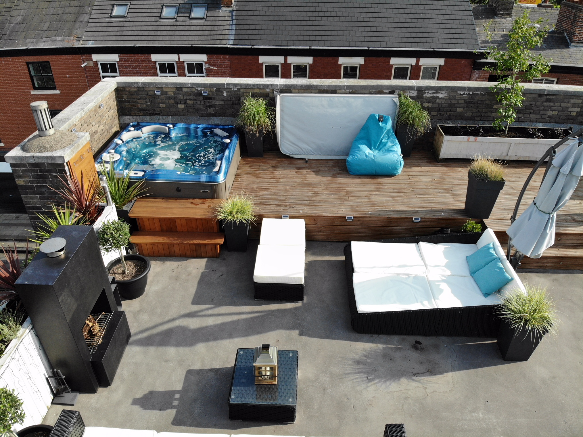 Self Cleaning 670 Rooftop Terrace