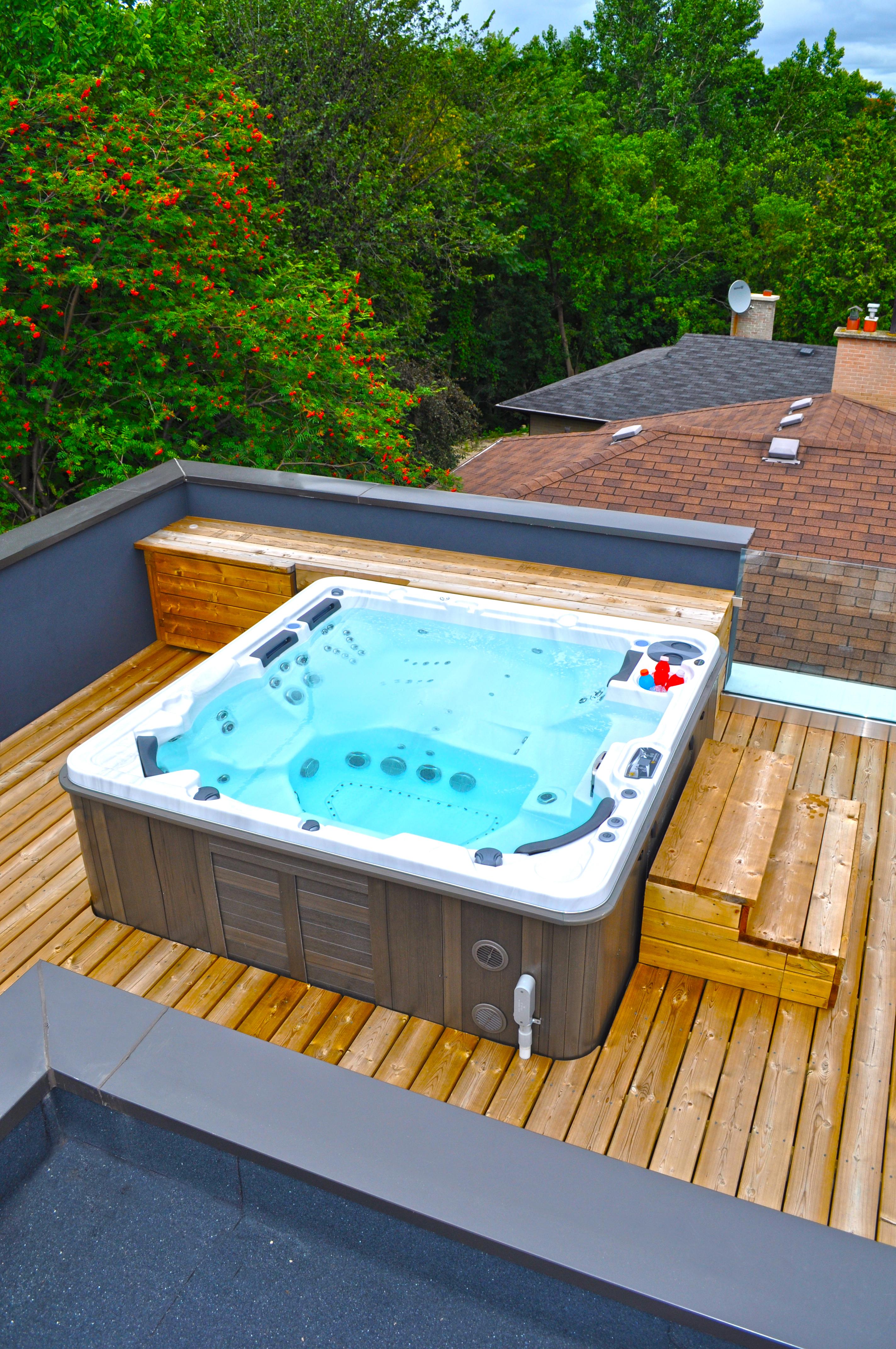 Self Cleaning Hydropool Hot Tub