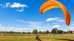Paraglider in Gunnersbury Park