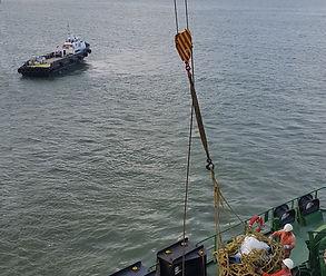 HO boat approach_lr.jpg