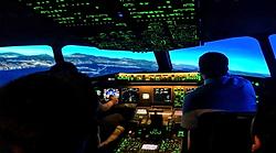 Piloten im Flugsimulator